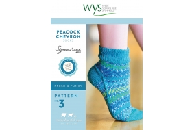 .Signature Style - Peacock Chevron Socks